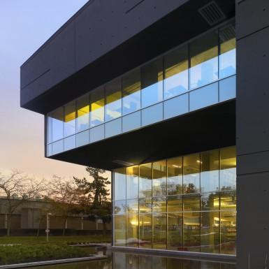 Langara_College_Library_and_Classroom_Building_5