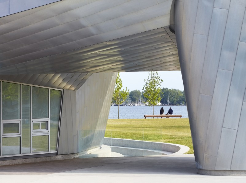When Fashion meets Architecture