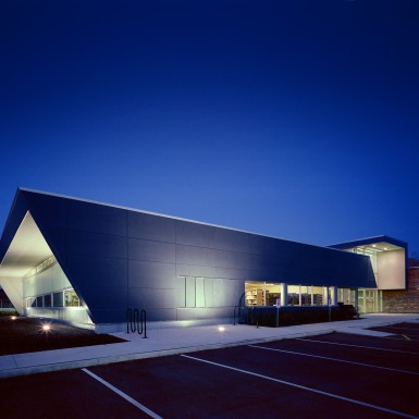 Brant_Hills_Community_Centre_and_Tyandaga_Branch_Library_3