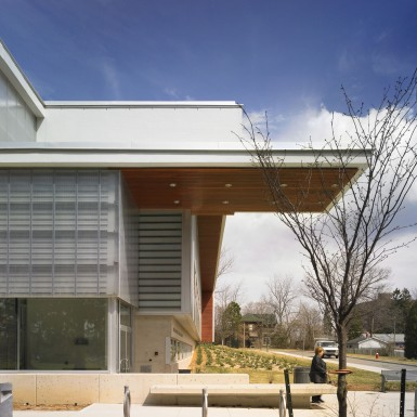 Burlington_Central_Public_Library_2