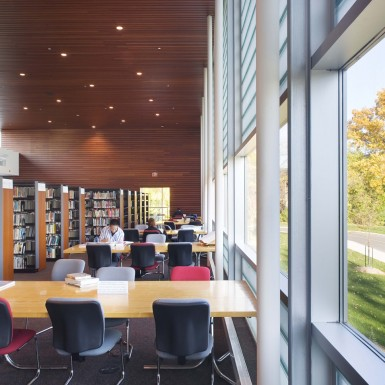 Burlington_Central_Public_Library_Interior_2
