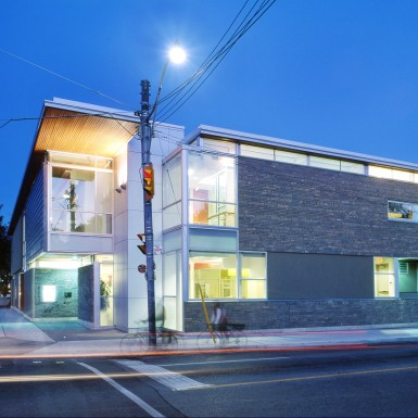 East_End_Community_Health_Centre_1