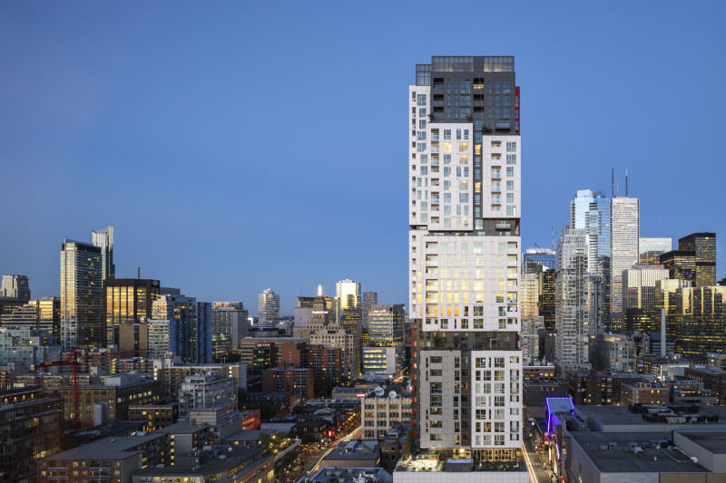 Picasso on Richmond Wins Urban Toronto's Best Tall Building Award for 2016